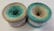 feelings_wolltraum_glitter_tan_green_yarn
