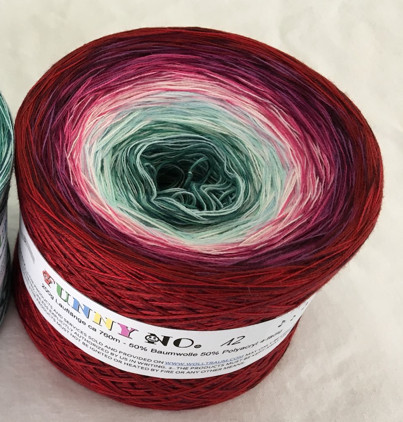 funny_12_wolltraum_red_burgundy_white_green_yarn