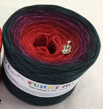 funny_2_wolltraum_red_green_black_mixed_yarn
