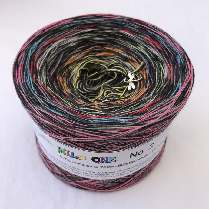 wild_one_3_wolltraum_mixed_black_gradient_ombre_yarn