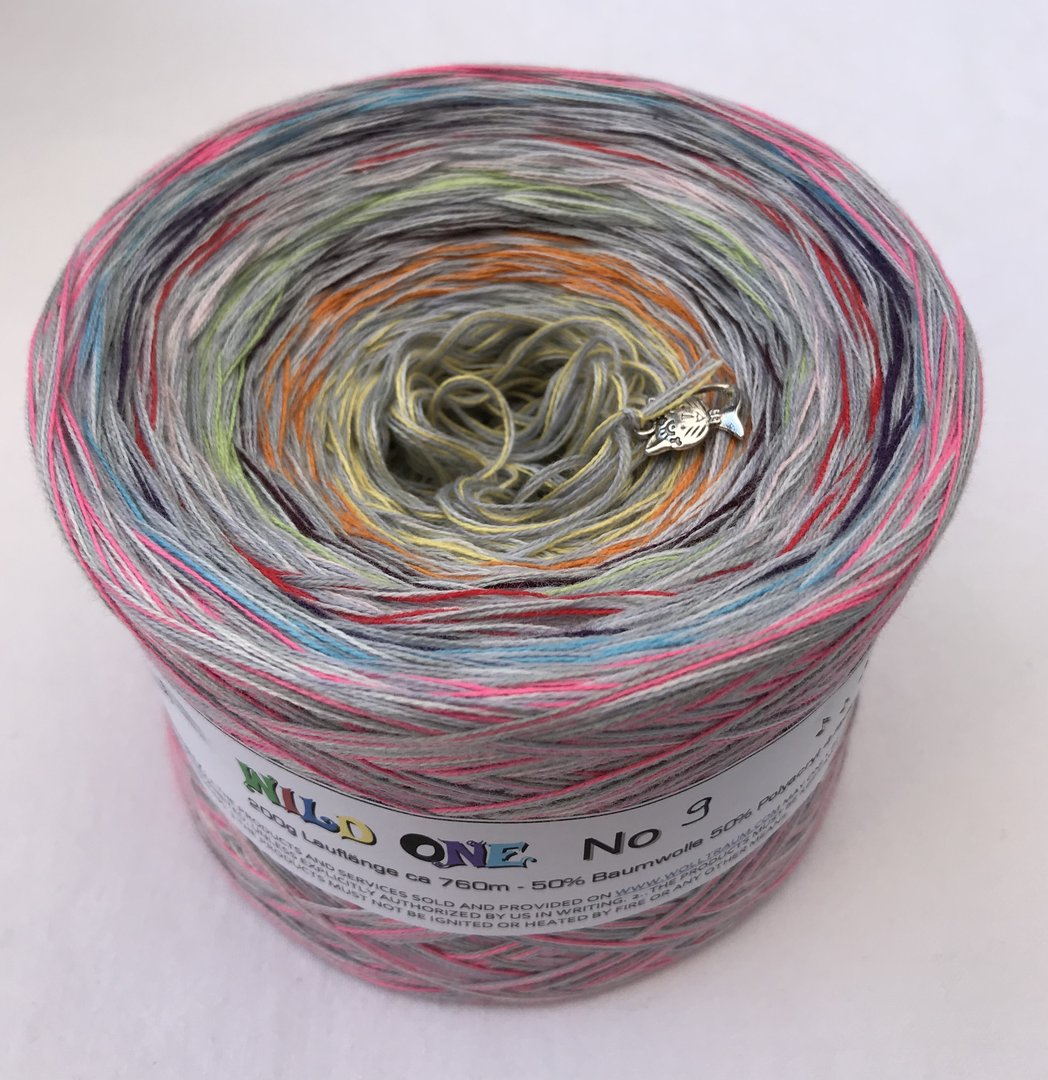 wild_one_8_wolltraum_mixed_light+grey_gradient_ombre_yarn