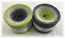 downtown_wolltraum_green_grey_yarn