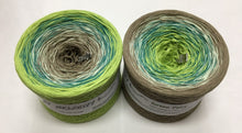 green_fairy_wolltraum_green_white_brown_mixed_heather_gradient_yarn