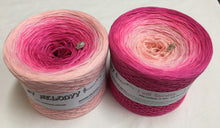 i_will_survive_wolltraum_pink_pink_pink_fuchsia_gradient_ombre_yarn