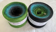 jungle_wolltraum_green_turquoise_teal_black_ombre_gradient_yarn