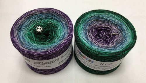 madness_13_wolltraum_purple_green_gradient_ombre_yarn