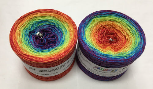 madness_4_wolltraum_rainbow_red_yellow_green_blue_purple_gradient_ombre_yarn