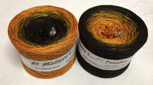 pumpkin_wolltraum_glitter_orange_brown_halloween_gradient_ombre_yarn