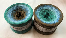 stand_by_me_wolltraum_green_blue_brown_gradient_ombre_yarn