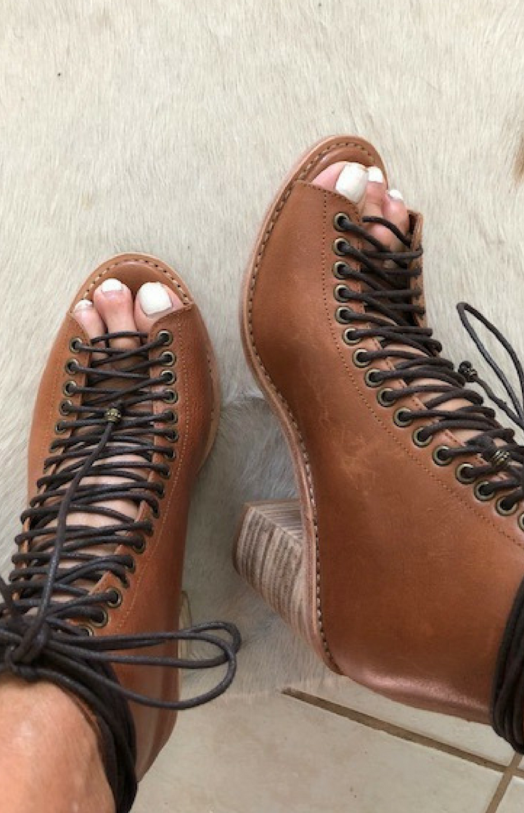 Nyx Lace Up Leather Heel - Tan