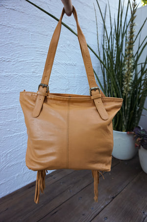 ARTEMIS TOTE - TAN LEATHER