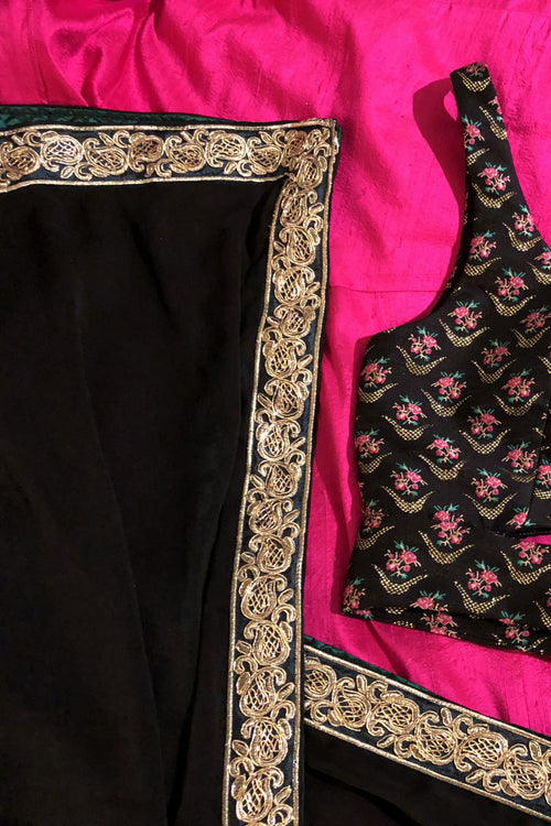 MEERA Green and Gold Dupatta - Detail View - Harleen Kaur - Indian Womenswear