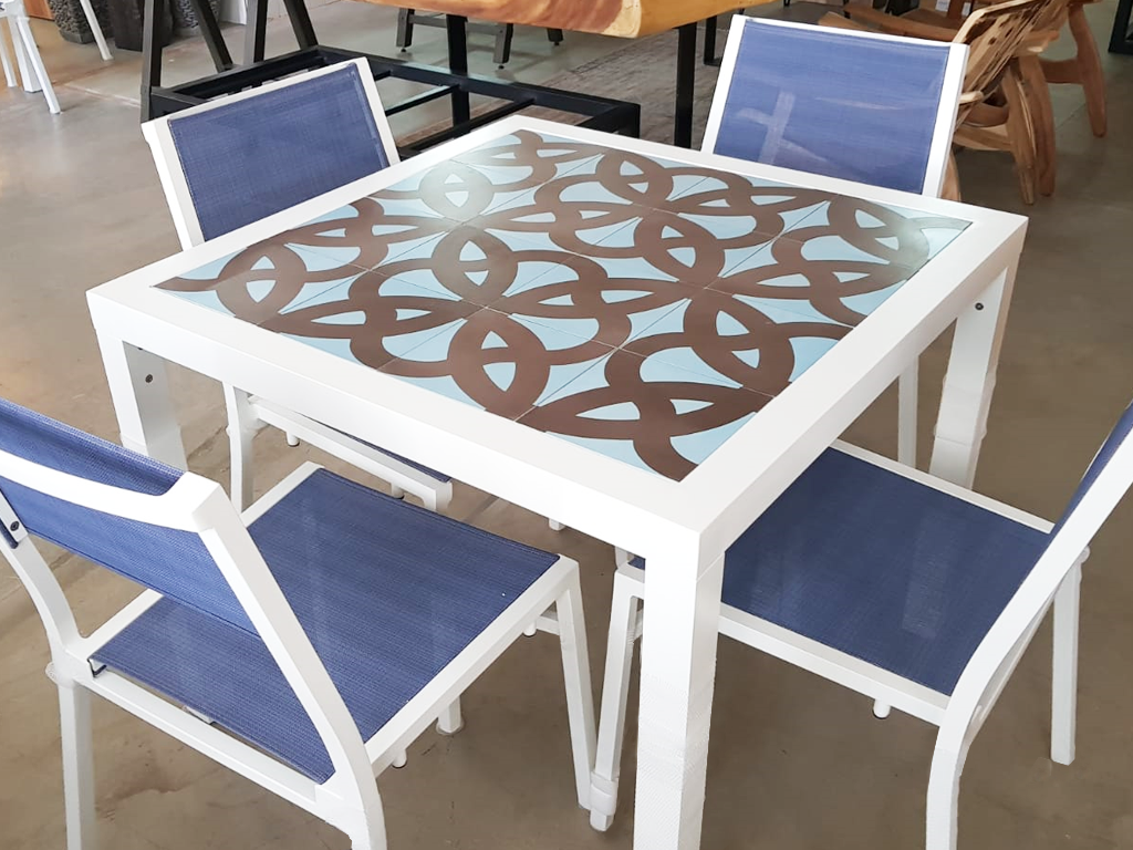 Dining Table (Wave Tile)