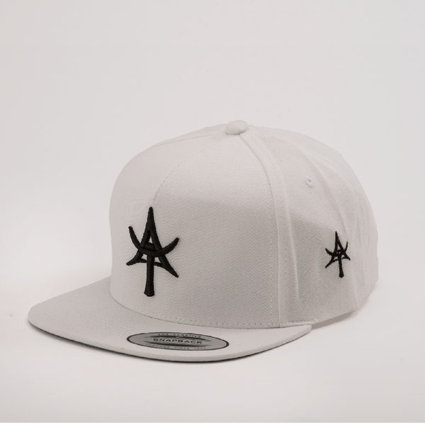 5 Panel Snap back White
