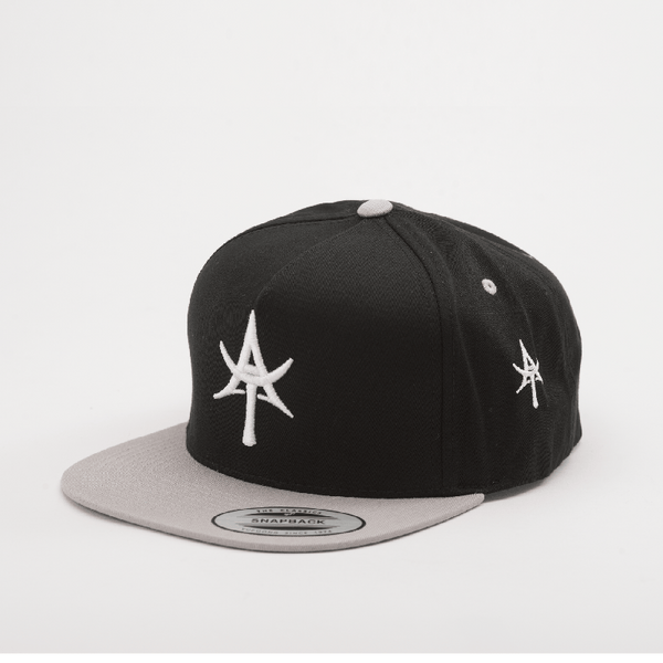 AT 5 Panel Snap back Black & Gray