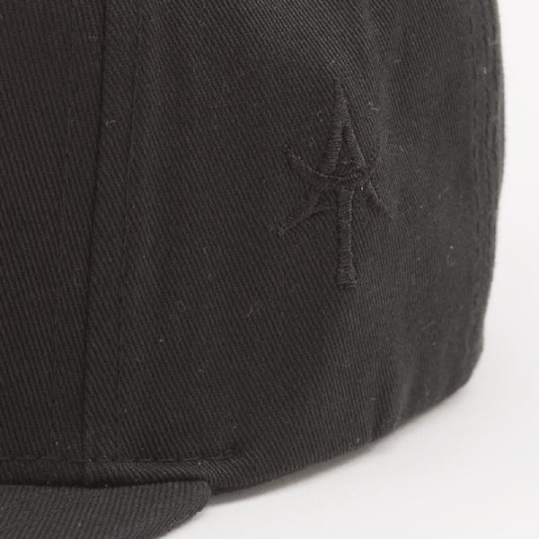 AT 5 Panel Snap back Black & Black