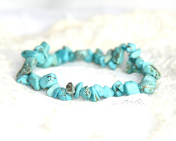 Crystal Chip Bracelet BLUE HOWLITE