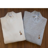 BUNNY EMBROIDERY TURTLENECK SWEATSHIRT