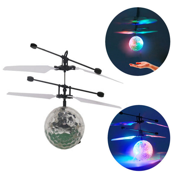 Kidworld™ LED Flying Magic Ball