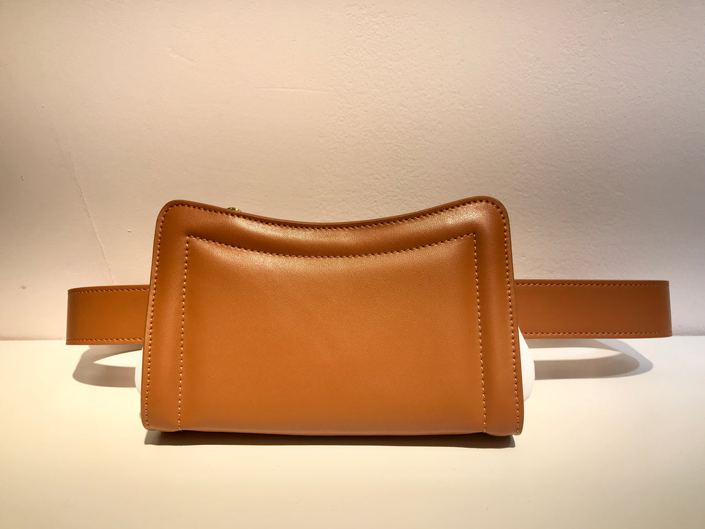Banane Belt Bag- Caramel/White
