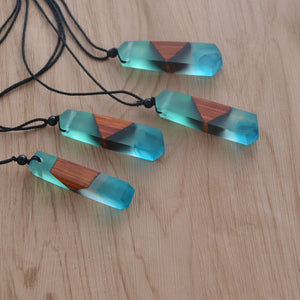 Wooden Spirit Necklace - Renaly