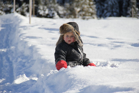 baby toddler snow winter activities