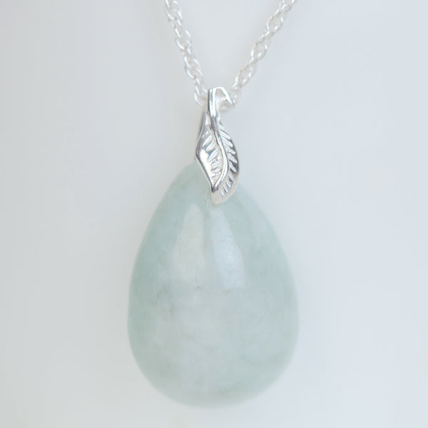 Jadeite pear drop pendant necklace