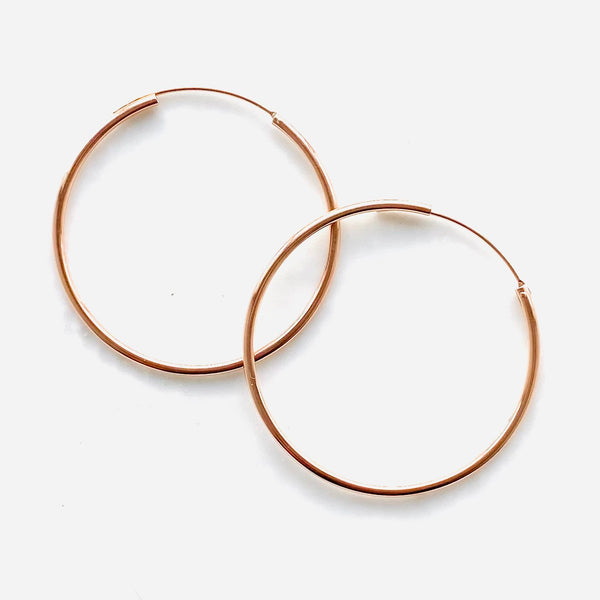 Seamless large hoops