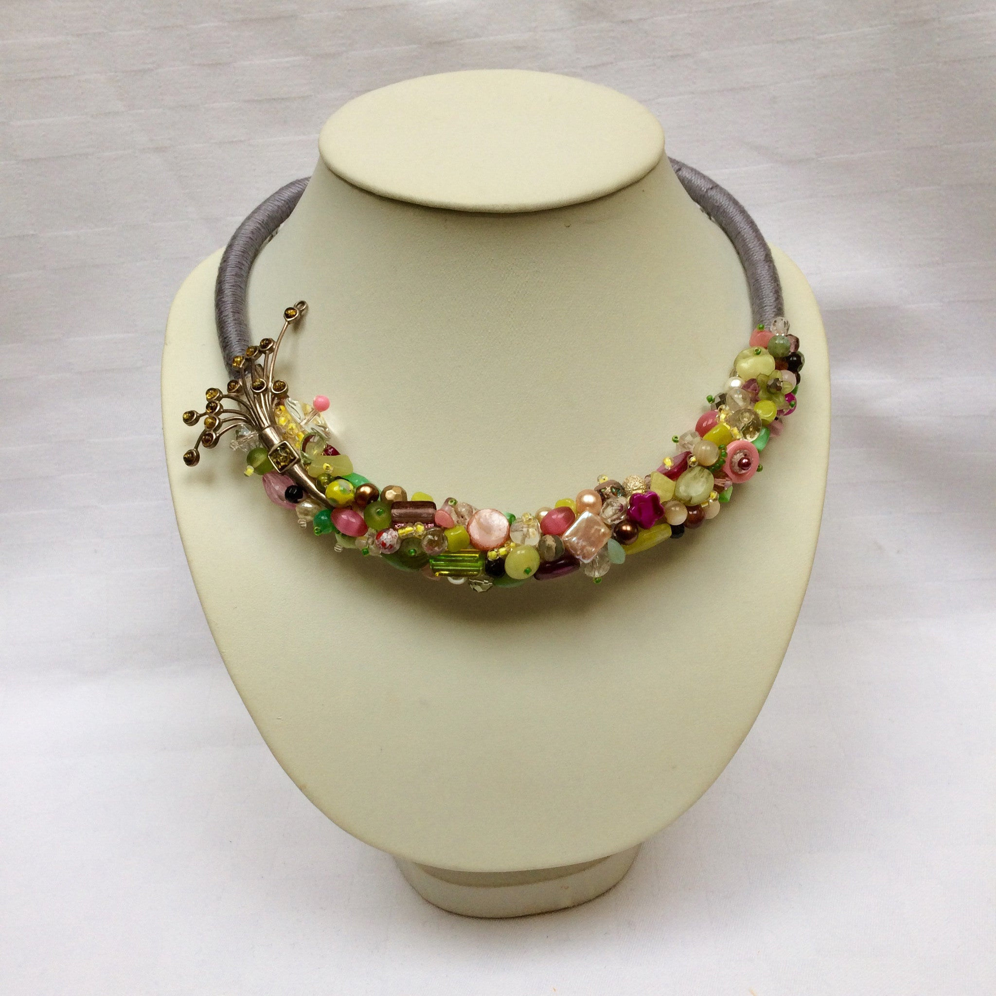 Spring Green Collar necklace