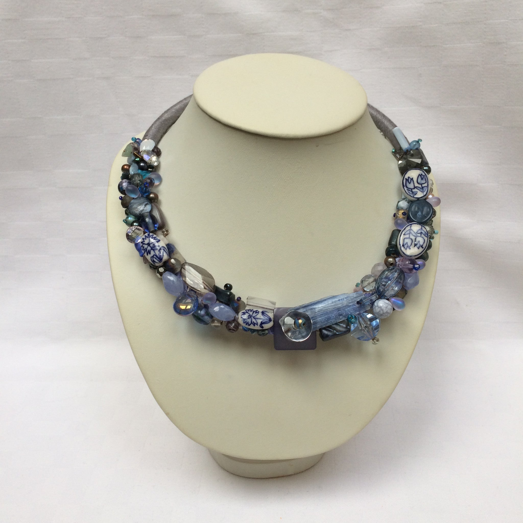 Grey-Blue Collar necklace