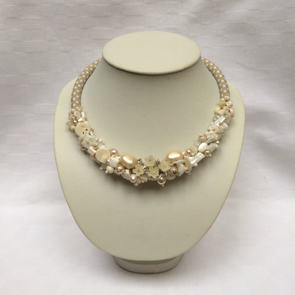 Ivory & Pearl Collar necklace