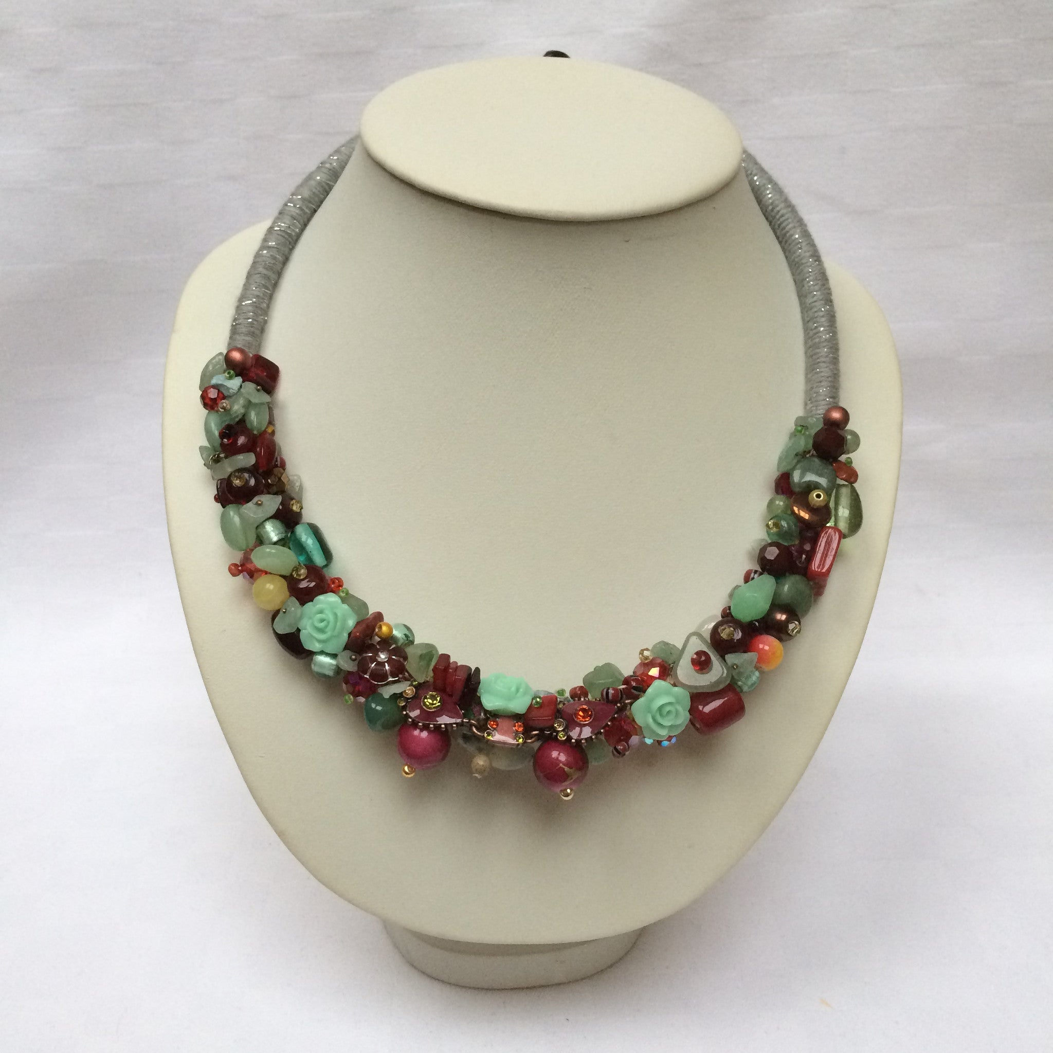 Green & Burgundy Collar necklace
