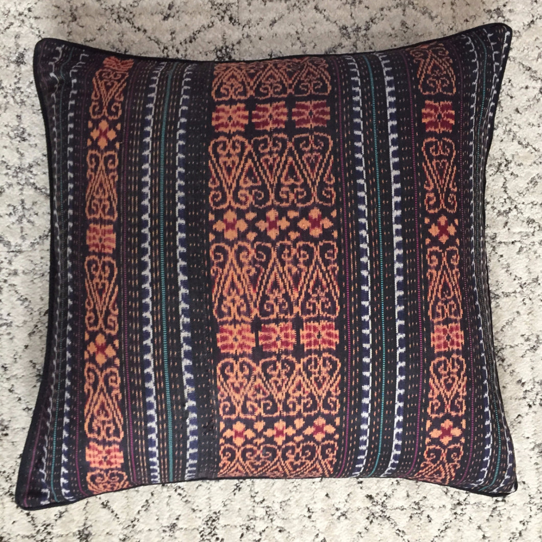 Grounded Pillow - Memento Style
