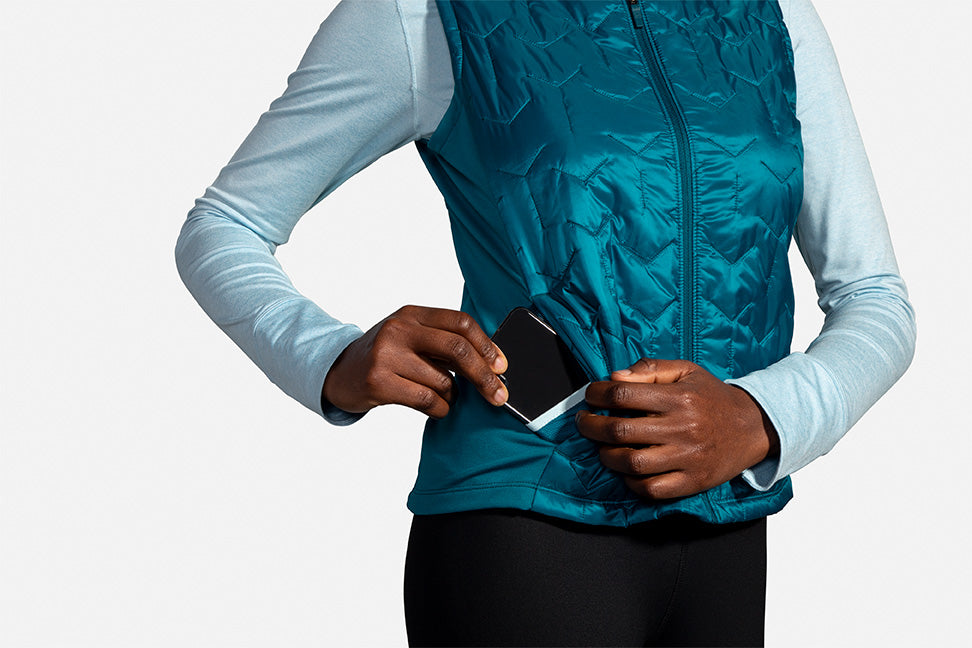 Women's Shield Hybrid Vest (396 - Sea/Deep Sea)