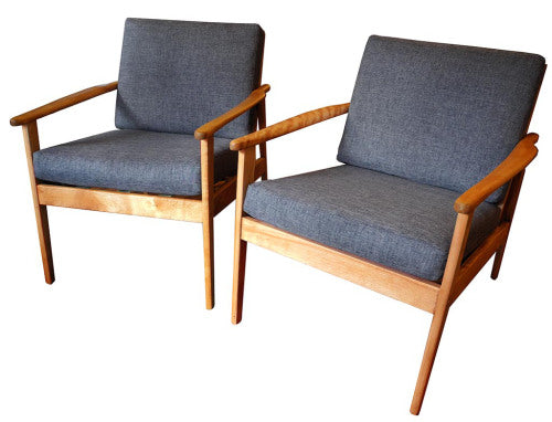 Pair of Birch Lounge Chairs_01.15_LR