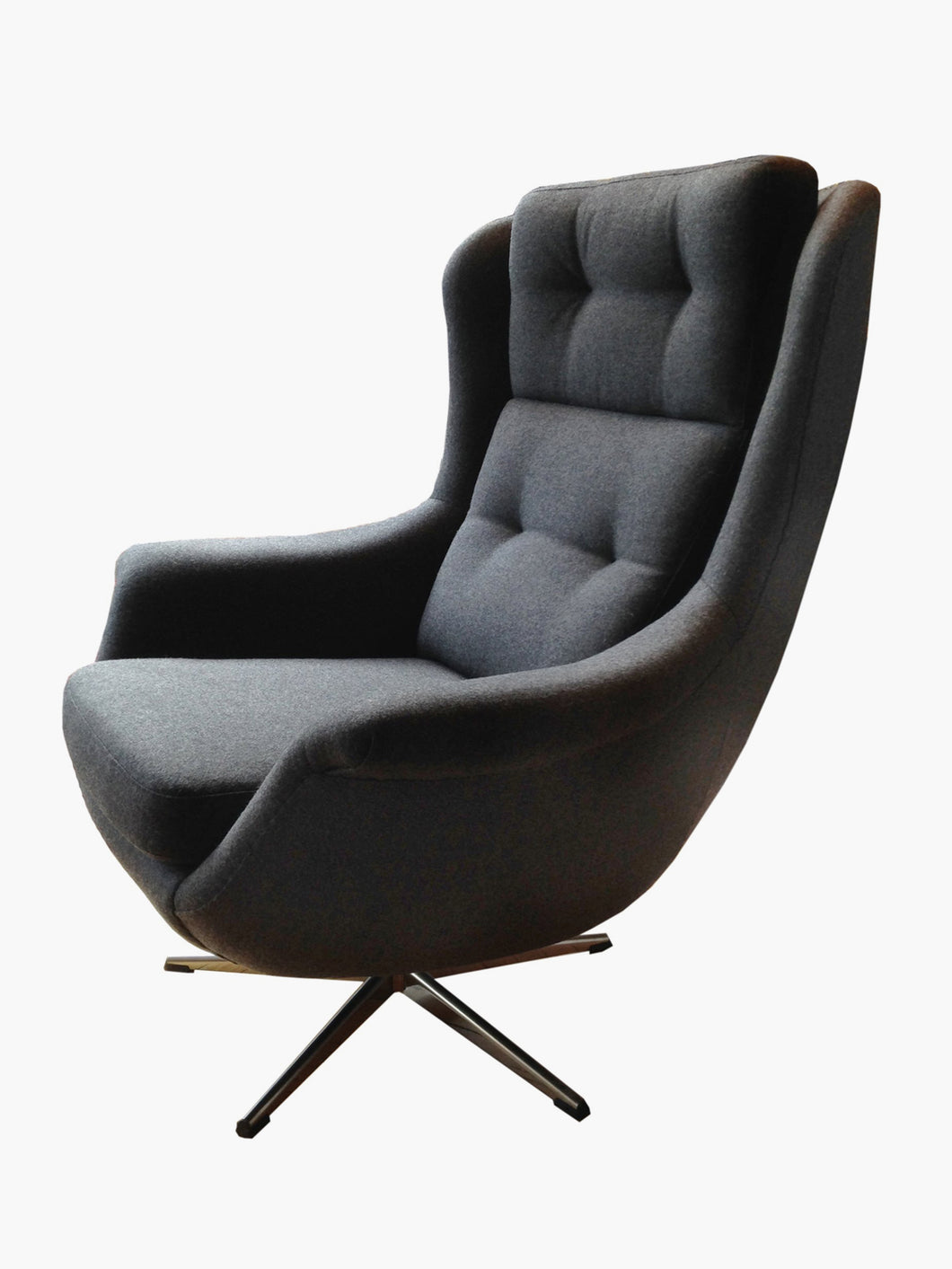 Mid Century Modern Pod Swivel Lounge Chair