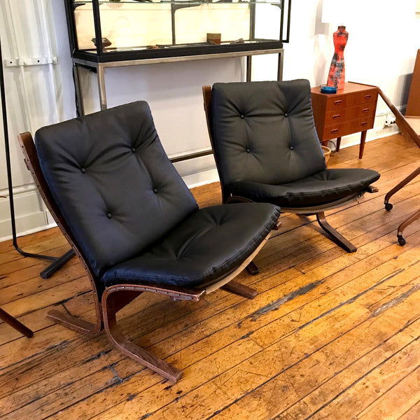 Pair of Siesta Lounge Chairs SOLD