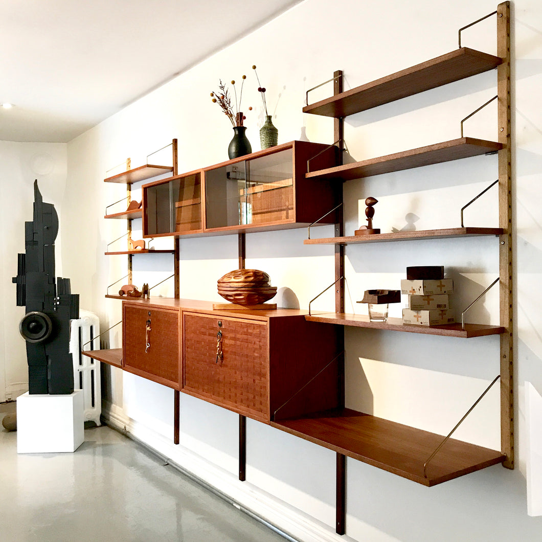 Poul Cadovius Shelving System