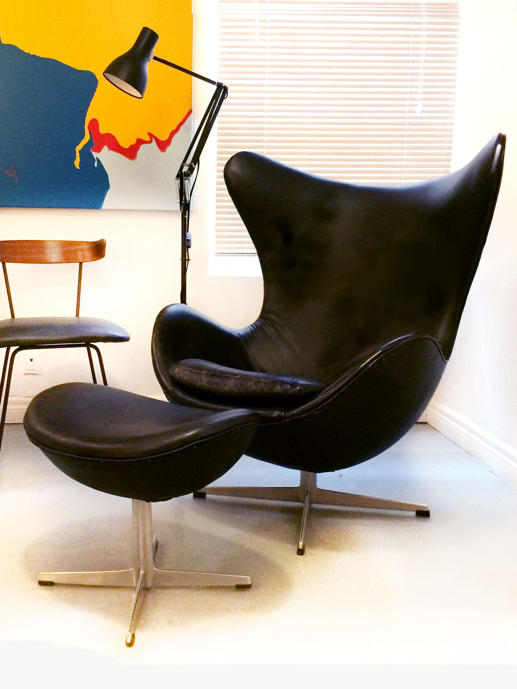 Original Arne Jacobsen Egg Chair and Ottoman