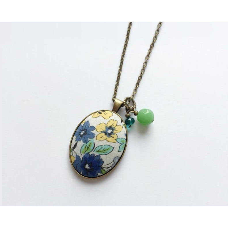 Floral fabric pendant necklace