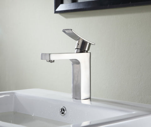 Promenade Single Hole Single Handle Bathroom Faucet in Brushed Nickel