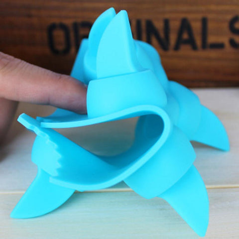Image of Shark Fin Shape Ice Cube