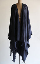 MAGIC WOOL CAPE