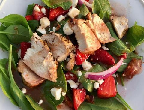 Howell's Mercantile Strawberry Vinaigrette Salad with Grilled Chicken