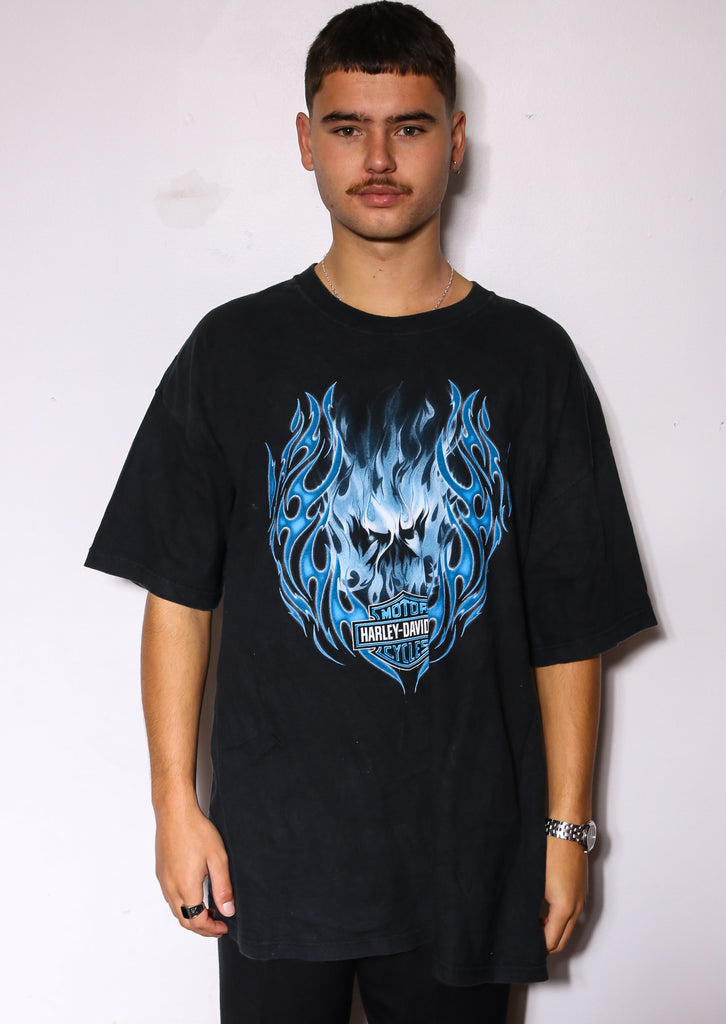 90'S DALLAS COWBOYS EMBROIDERED STAR AND BACK SWEATSHIRT *HOLE IN SLEEVE/DISCOLOURED STAR/SMALL MARKS THROUGHOUT* (LABELLED MEDIUM FITS LARGE)