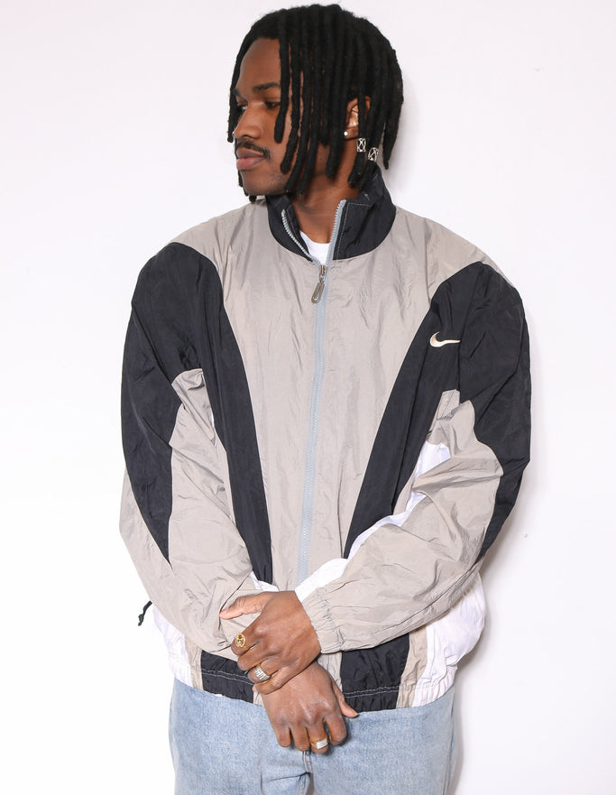 90'S NIKE SOCCER COLLAGE GREY TEE (M) *MARKS THROUGHOUT