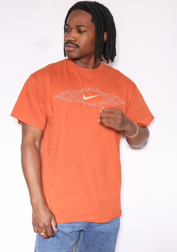 90'S USA DREAM TEAM GRAPHIC TEE *SMALL MARKS THROUGHOUT* (M)
