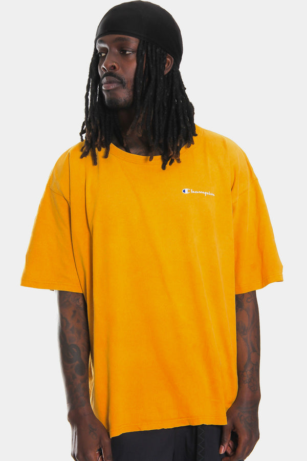 90'S CHAMPION YELLOW WITH DISTRESSED WHITE SPELL OUT POCKET PRINT TEE (XXL)