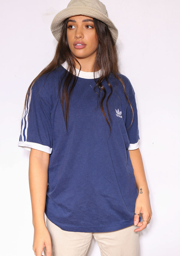 90S DISNEY THE DUCK STOPS HERE SO DONT RUFFLE MY FEATHERS TEE (X-LARGE) * SIZE TAG READS LARGE/X-LARGE & MARKS ON THE BACK