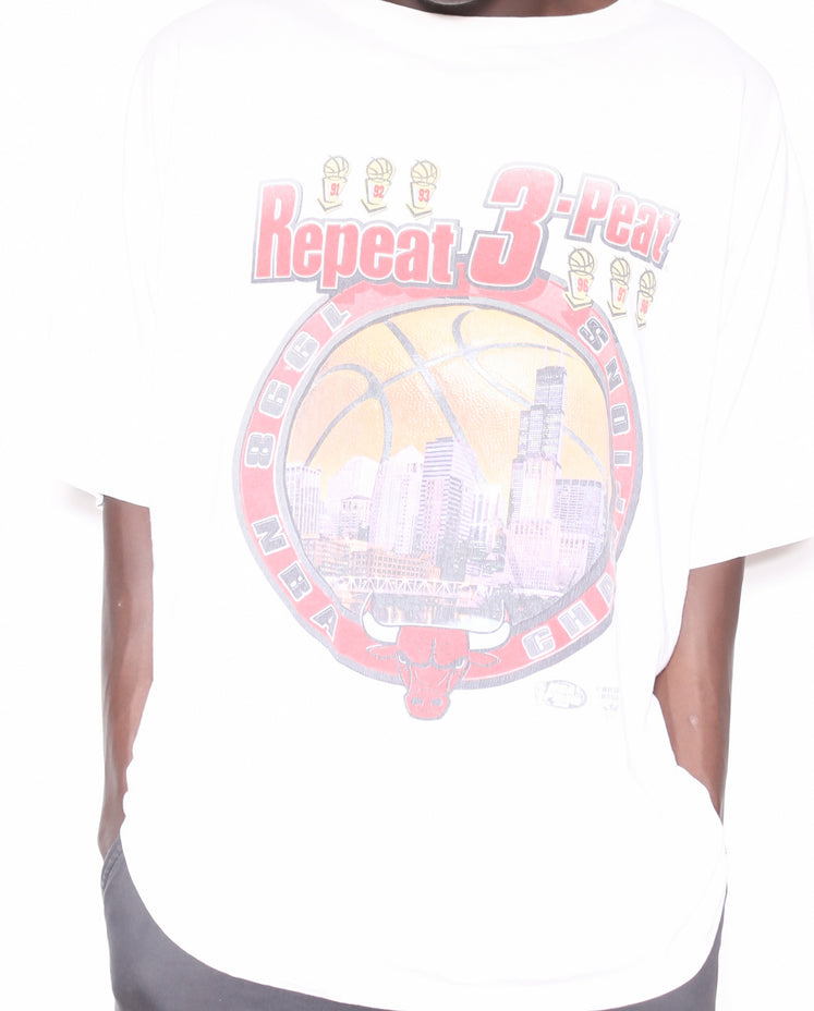 1997 KANSAS CITY CHIEFS EMBROIDERED GRAPHIC SWEATSHIRT (XX-LARGE)